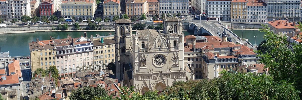Deviens guide pour la Cathédrale Saint-Jean !