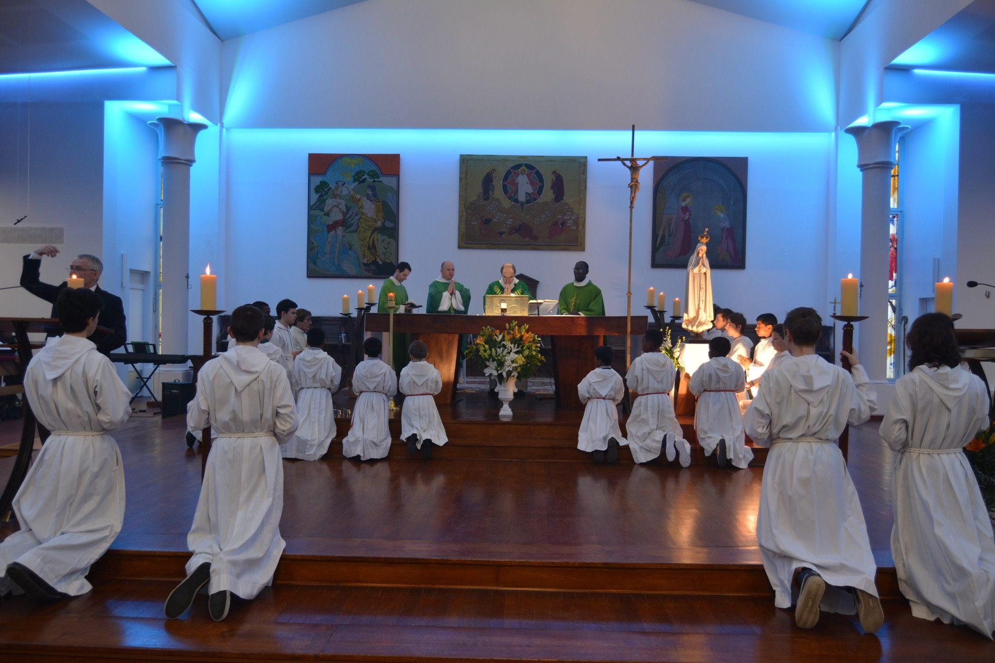 Inauguration de l'église de la Sainte-Trinité à Mermoz
