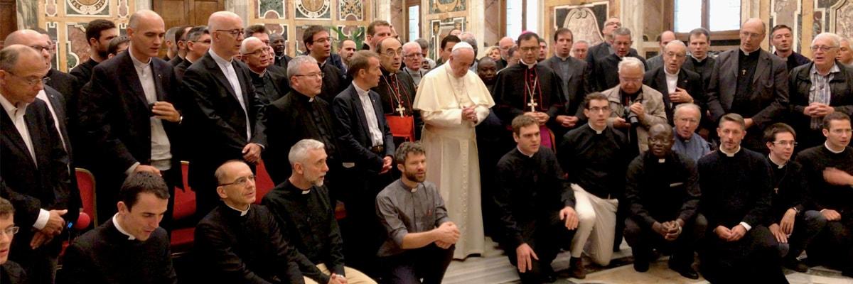 Les prêtres de Lyon en voyage à Rome