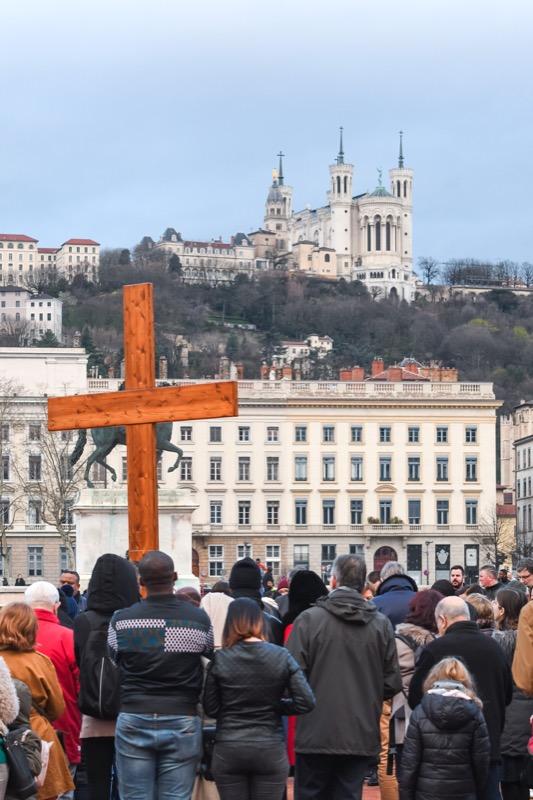 Chemin de croix dans les rues de Lyon 2018