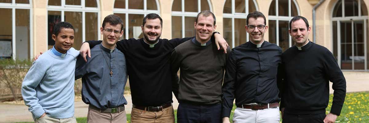 Portraits des 5 nouveaux prêtres – 23 juin 2018